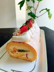 愛されフルーツロールケーキ